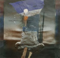 Pintura 'Homenaje del poeta al orden cósmico' d Peiró Coronado. 30x29. Spray, óleo, ceras y collage sobre cartulina preparada con arena y látex.