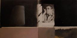 'Pensando con P de pintura' es un trabajo de Fernando Peiró Coronado reallizado sobre la cartulina de un catálogo a base de sprays y óleo.