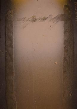 Pintura de pequeño formato de Peiró Coronado, 'Abierto a la tarde', spray sobre cartulina peparada matéricamente. Expresionismo abstracto.