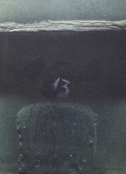 'Tristeza trascendente' obra de Fernando Peiró Coronado pintada en 1995. Obra muy negra, cargada de dolor y drama, con un 13 que se refiere a su madre que acaba de morir.