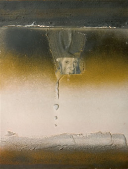Pintura 'El pontífice del arte' de Fernando Peiró Coronado realizada con spray y óleo sobre cartulina preparada con arena y látex. Medidas 33x25.