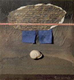 'Sobre las palabras del escritor', obra de Fernando Peiró Coronado. Medidas, 30x30. Técnica mixta: óleo, ceras, tela, conchas y papel sobre tabla preparada con arena y látex